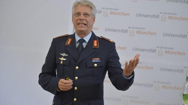 Alumnus Thomas Reiter