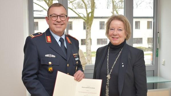 Brigadegeneral Dr.-Ing. Matthias Geitz zum Honorarprofessor bestellt