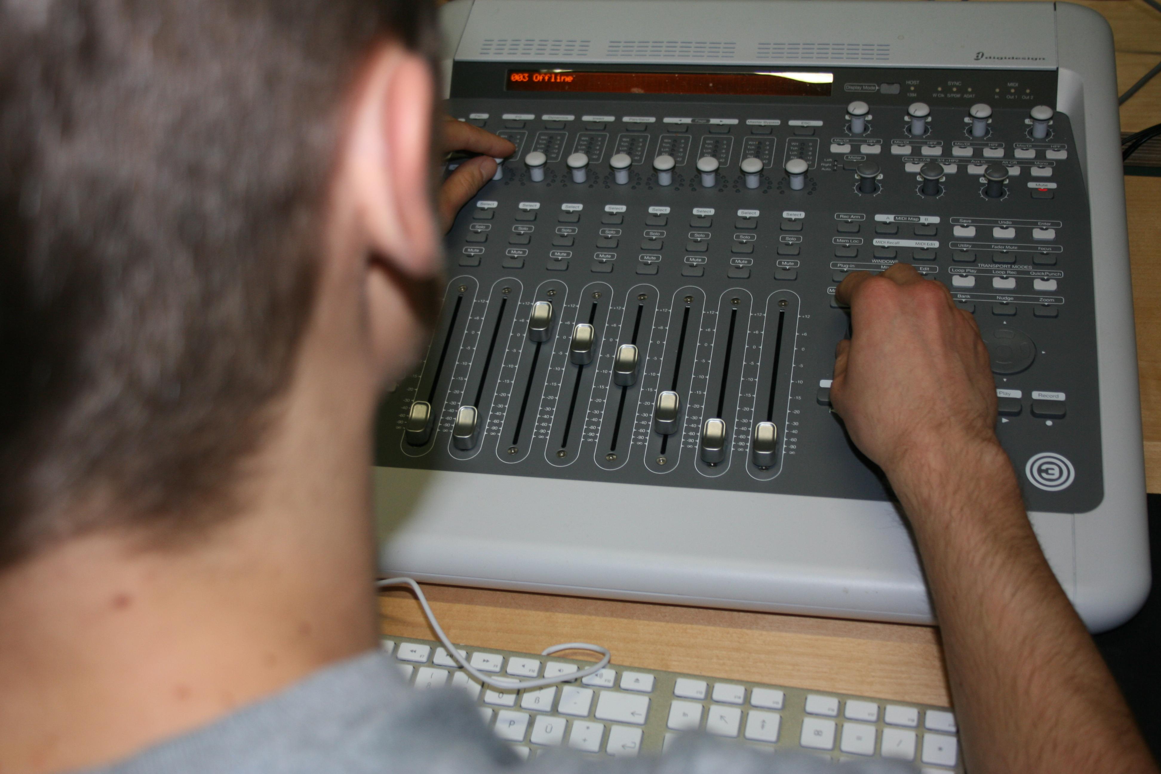 Medientechnik beherrschen
