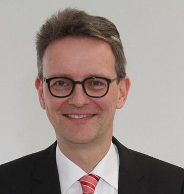 Univ.-Prof. Dr. rer. pol. Michael Eßig