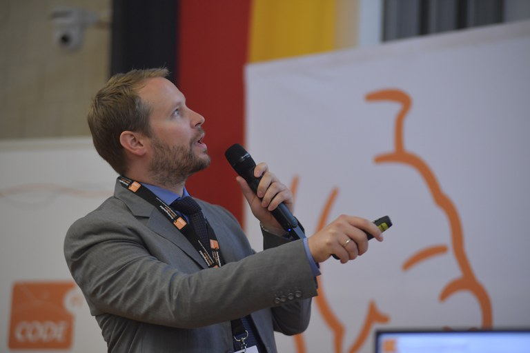 18 Prof. Brunthaler, CODE.JPG