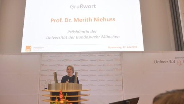 3 Prof. Niehuss, UniBw M.JPG