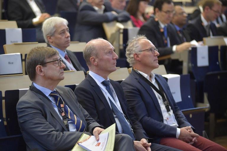4 Prof. Buchenrider, Prof. Wiestler, Karl, Heyland.JPG