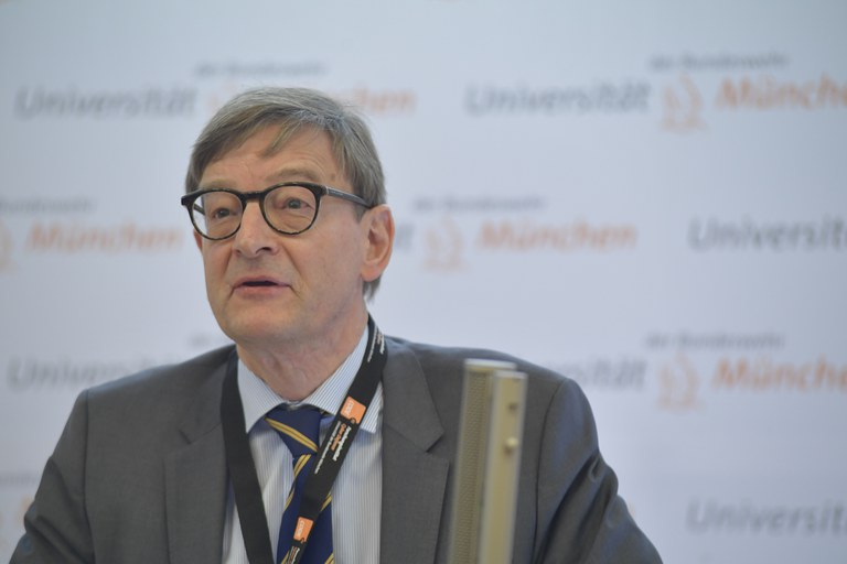 66 Prof. Wiestler, Helmholtz.JPG