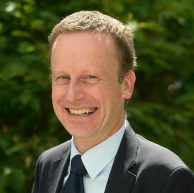 Univ.-Prof. Dr. rer. pol. Bernhard Hirsch