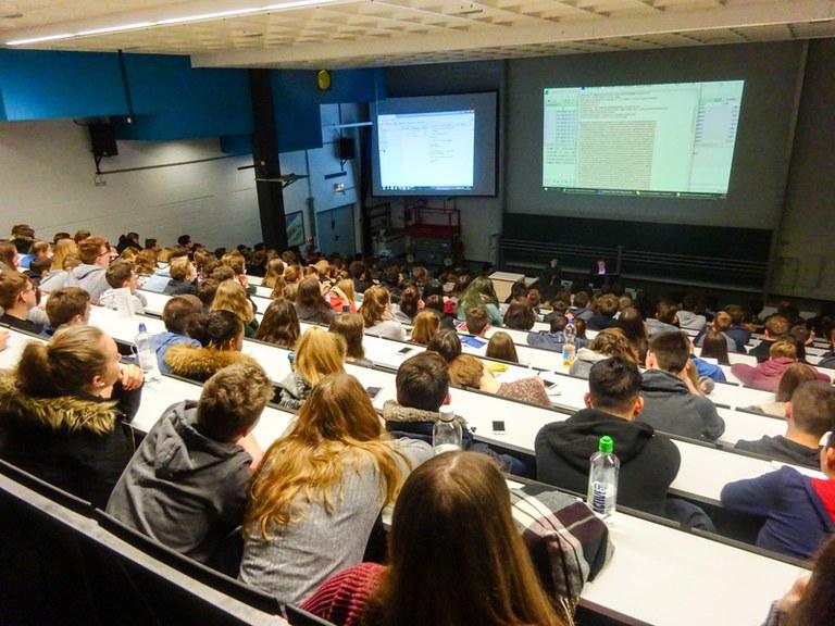 Prof. Dr. Arno Wacker auf dem 12. Tag der Mathematik