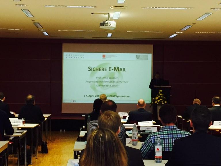 Prof. Dr. Arno Wacker auf dem 10. a-i3/BSI Symposium 2015