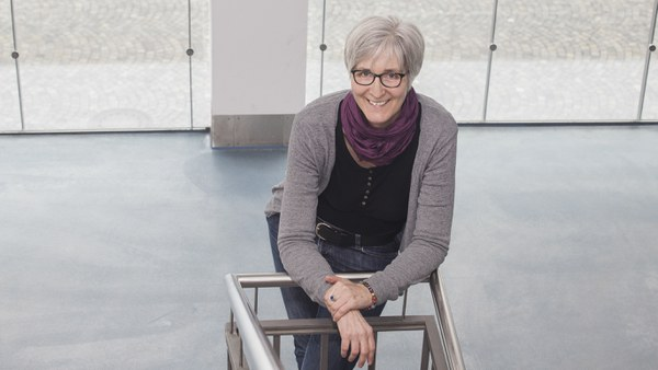 Dr. Carmen Klement