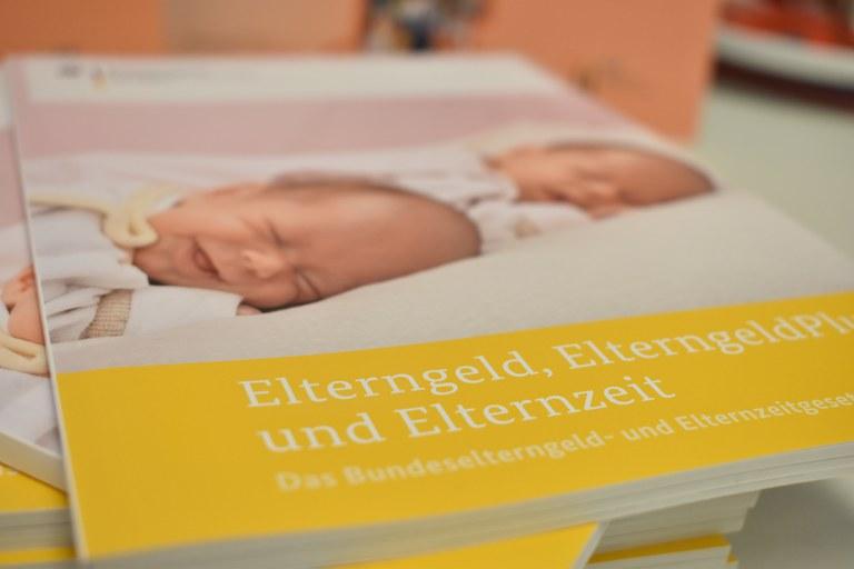Broschüren Gleichstellungstelle (2).JPG