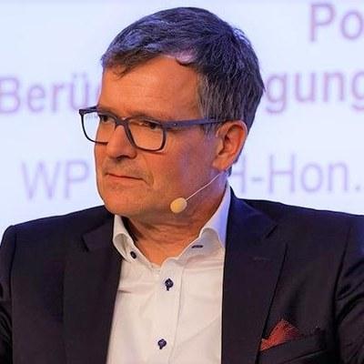 Univ.-Prof. Dr. rer. pol. Andreas Schüler