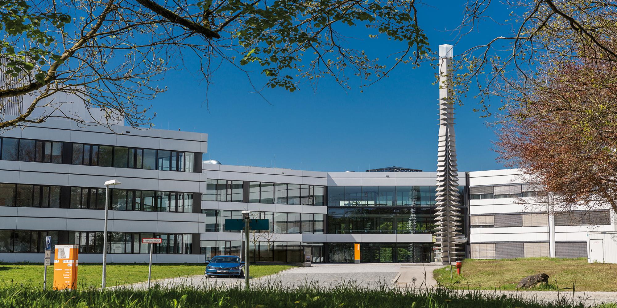 Der Universität