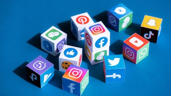 Studie von Prof. Sehl: Social Media – beliebt, aber nicht glaubwürdig