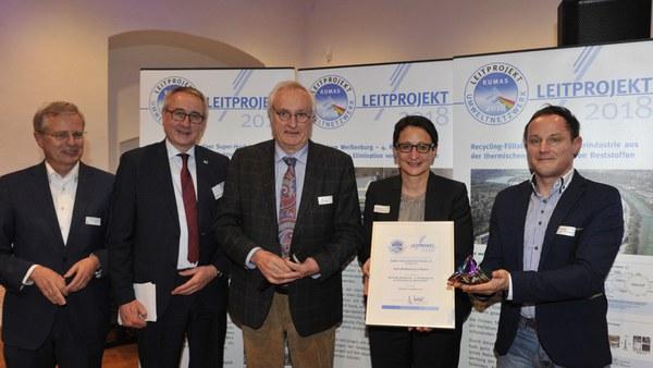 Auszeichnung für Prof. Wolfgang F. Günthert und Team