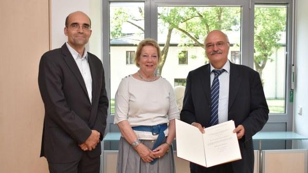 Besondere Ehrung für Professor Bernd Eissfeller vom ISTA