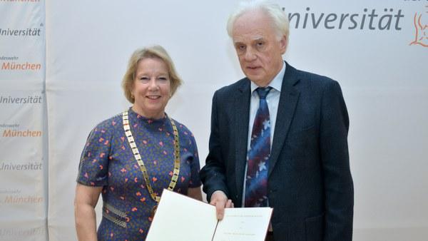 Neu gestifteter Ulrich L. Rohde-Preis für MINT-Fächer
