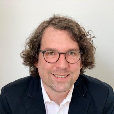 Prof. Dr. Dominic Busch
