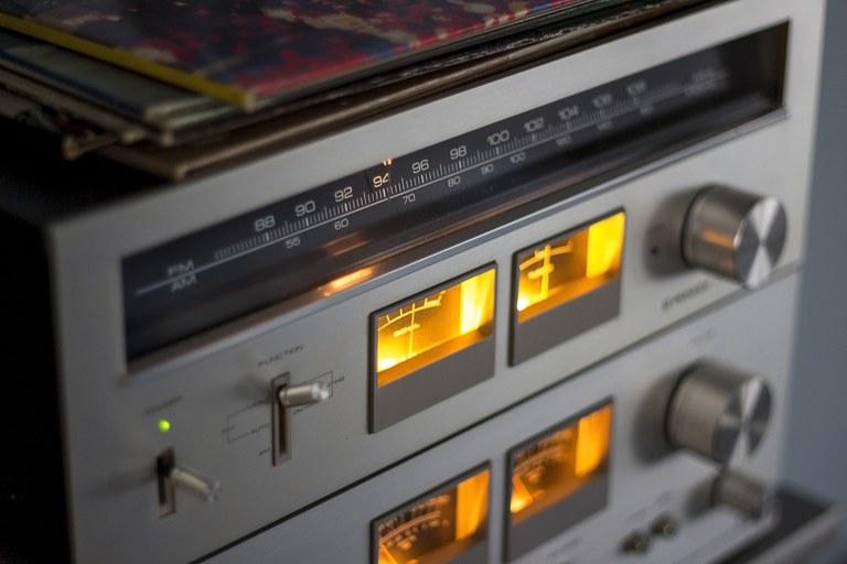 amplifier-analogue-audio-bass-302871.jpg
