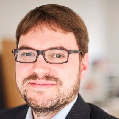 Dr. Tim Loepthien