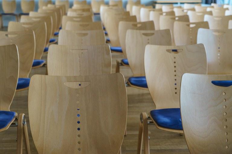 chair-series-2654144_1920.jpg