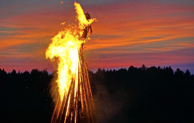 24.06.2020, um 18:00 Uhr: Gottesdienst und Johannisfeuer