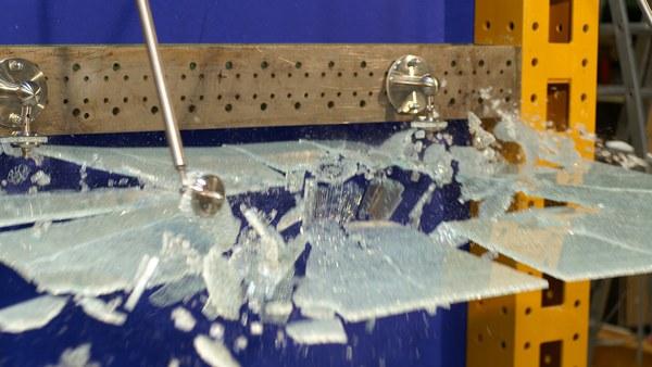 Trag- und Resttragverhalten von Glaskonstruktionen