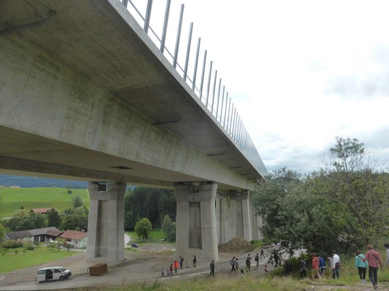 Talbrücke Bergen im Zuge der A8 München - Salzburg