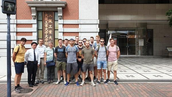 Besuch des Technology Institute Osaka