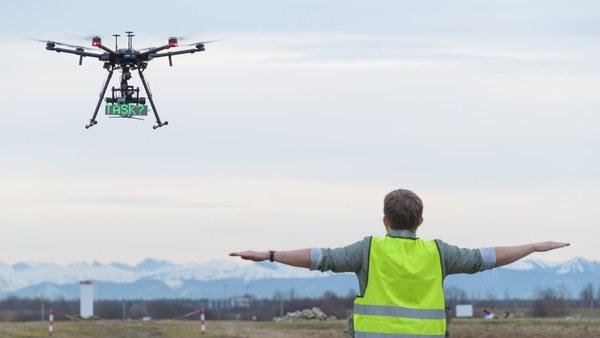 Gestenbasierte Führung von UAVs
