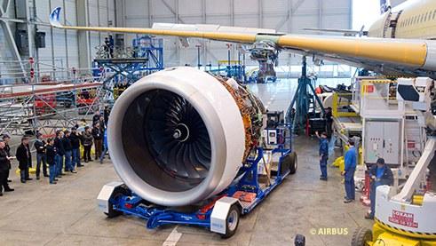 A350 XWB Trent engine installation_500.jpg