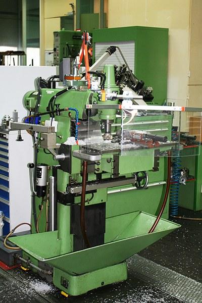 WZL_Fräsmaschine_2_400.jpg