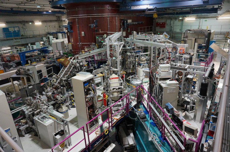 Reactor based positron source