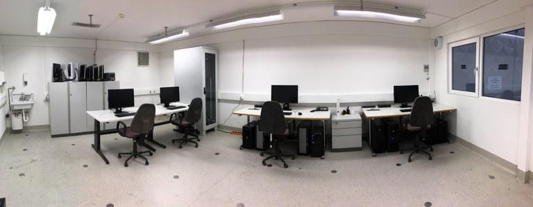 Auswerterechner-Raum.JPG