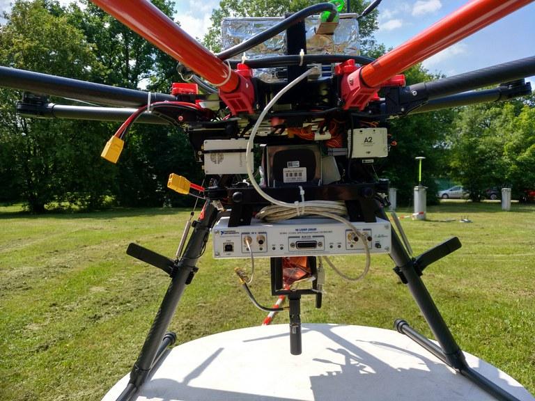 UAV payload. PC, SDR, prisma and antenna.jpg