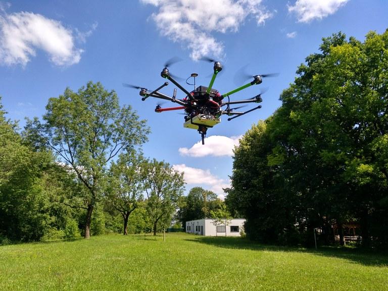 UAVlite in the air.jpg