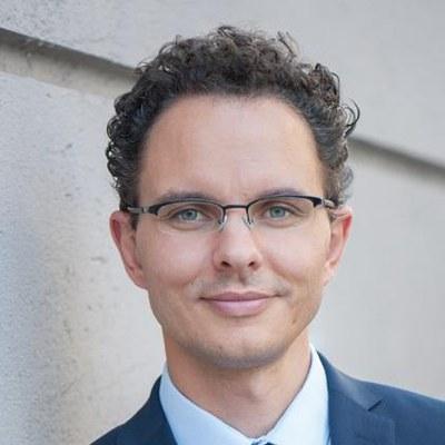 Prof. Dr.-Ing. Florian Engstler