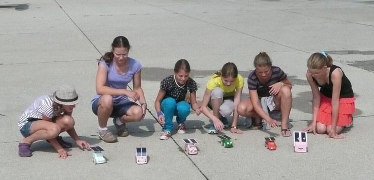 Mädchen machen Technik 2012