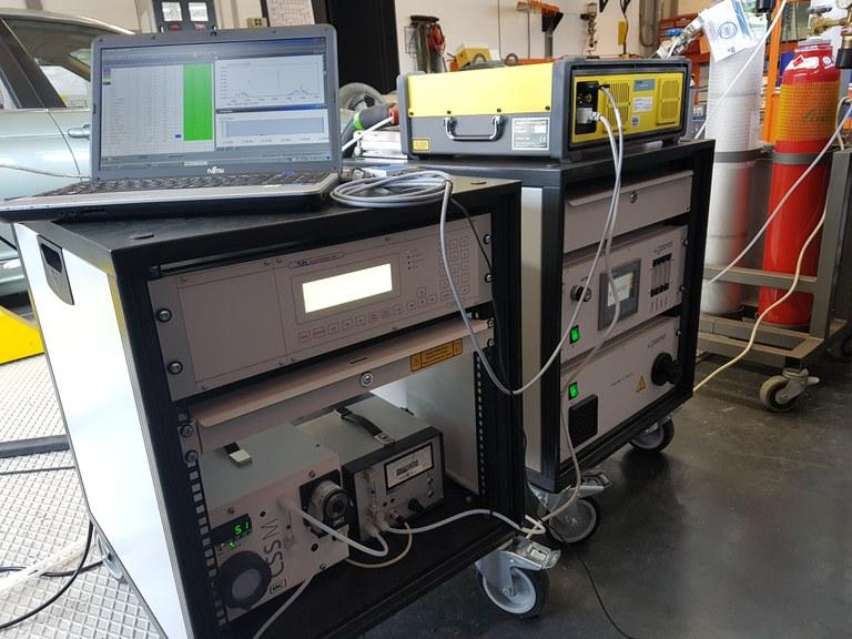 Fourier-Transformations Spektrometer (FTIR) inkl. Kohlenwasserstoff- (FID) und Sauerstoffsensor