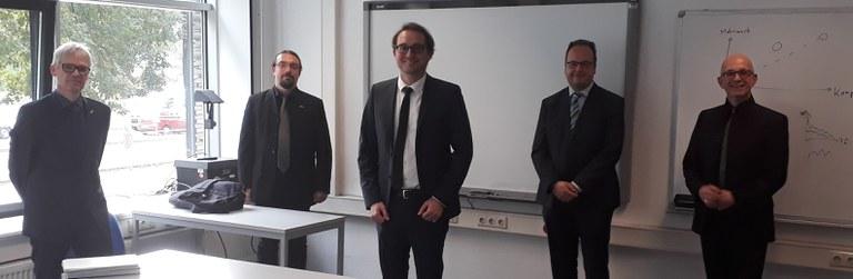 v. l. n. r. Prof. Lüders (Vorsitzender), Jun.-Prof. Woschke (1. Berichterstatter), Dr.-Ing. Kersch, Dr.-Ing. Dindorf (3. Berichterstatter), Prof. Kuttner (2. Berichterstatter)