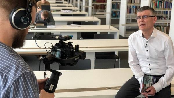 Prof. Dr. Wüthrich von der Fakultät WOW