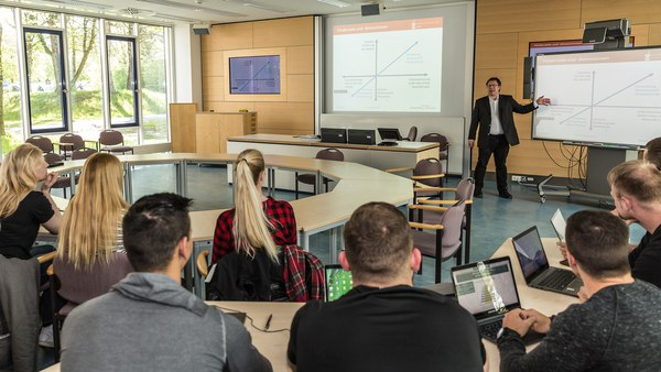 Labor für multimediale Lehre und Forschung