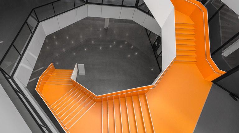 hg-hirschkaefer-innen-11-19-3-bw-orange.jpg