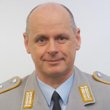Dipl.-Päd. (univ.) Oberst Matthias Henkelmann