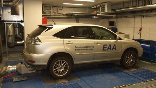 Rollenprüfstand am Institut für Elektrische Antriebstechnik.jpg