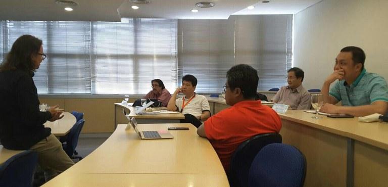 BINUS Diskussion über Ethik im Wirtschaftsrecht im Postgraduiertenstudium