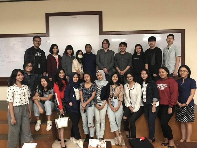 BINUS Vorlesung an der Fakultät International Relations
