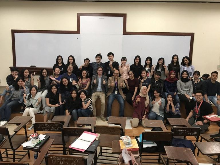 BINUS Vorlesung an der Fakultät International Relations II