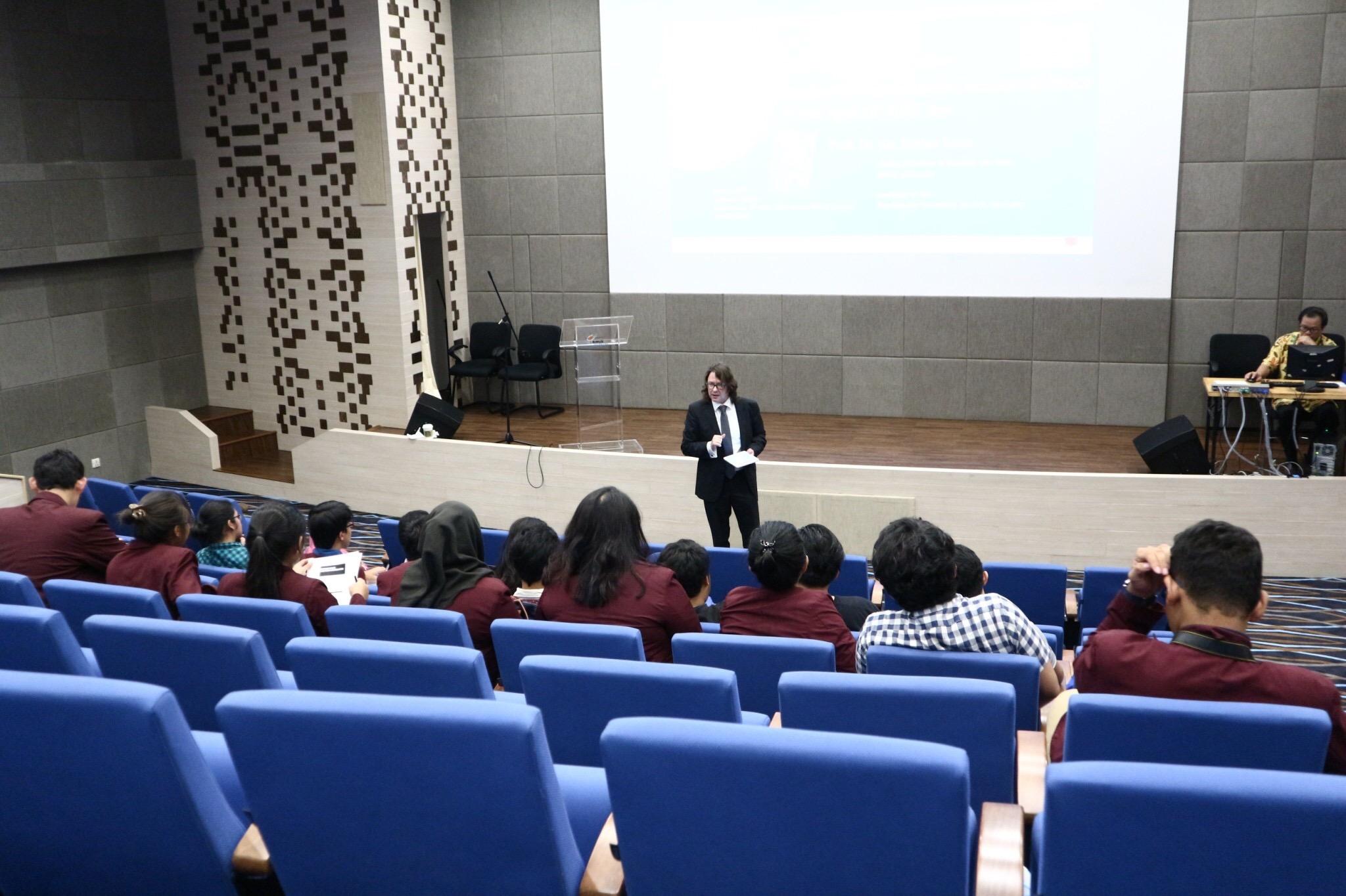 BINUS Vorlesung Business Law Department IV