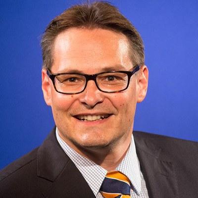 Univ.-Prof. Dr. oec. publ. Thomas Hartung