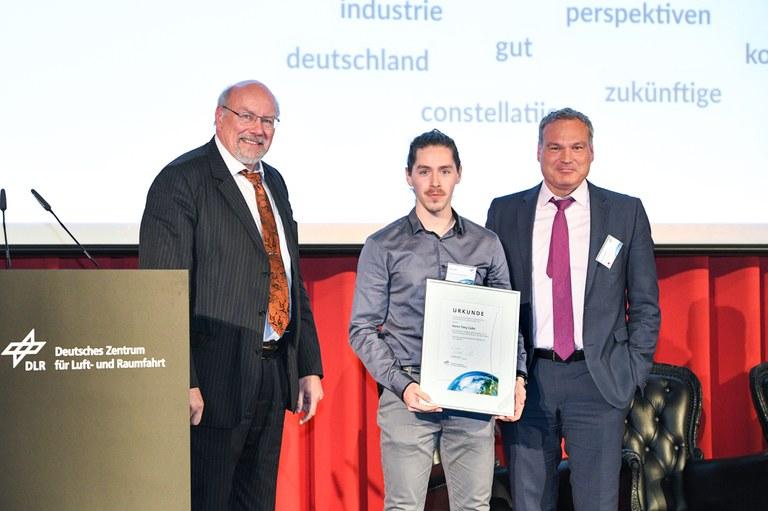 Award Next Generation meets Satcom.jpg