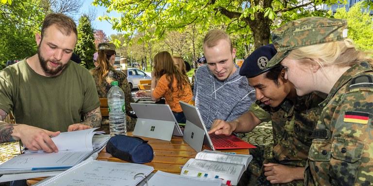 Lehre an der Fakultät für Elektrotechnik und Informationstechnik (EIT)